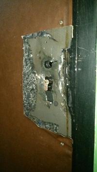 как открыть дверь если ключ сломался и остался в замке